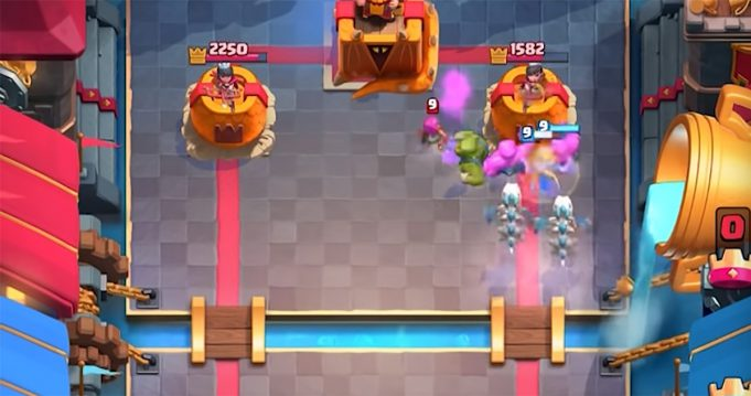 Dragones Esqueletos gameplay Clash Royale